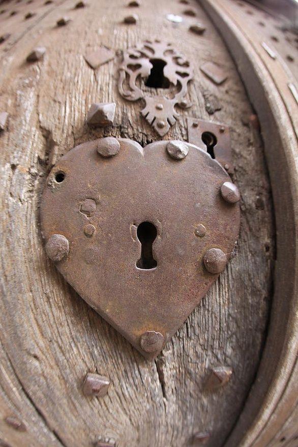 Heart Key Hole